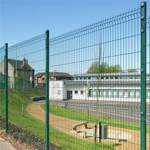 Galvanzied Curvy Fence-1