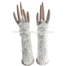 2017 novo estilo bonito moda luvas de casamento de renda sem dedos do laço