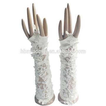 2017 nuevos guantes de novia hermosos del cordón de la boda sin dedos de moda del estilo