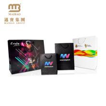 Черный / белый 250 GSM для упаковки подарка таможня напечатала хозяйственные искусство бумажный мешок для одежды