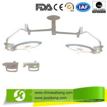 Lampe de fonctionnement sans ombre sur le plafond (bras actuel) avec service professionnel
