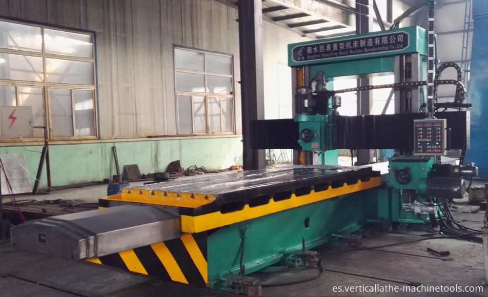 Manual horizontal boring mill