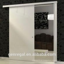 Corrediça da porta de madeira natural interior do quarto de madeira