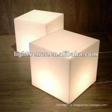Tabela acrílica moderna do cubo do diodo emissor de luz do competidor