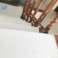 Fieltro de alfombra de poliéster pegajoso blanco en tela no tejida
