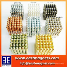 Mehrere farbige kuatomisierte magnetische Kugel Kette Magnet