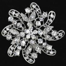 Fashion big size wedding brooches made of zinc alloy and rhinestones good quality wholesale bridal jewelry