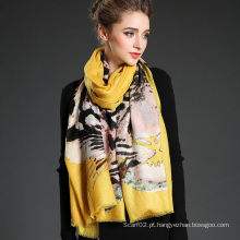 Mulheres Teste padrão de tigre de lã longa Impressão digital Bufão de silenciador amarelo