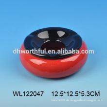 Günstiger keramischer Aschenbecher in runder Form