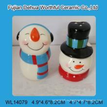 Прекрасные керамические снеговика соль и перец шейкеры