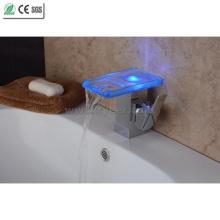 Robinet de bassin de LED de cascade de salle de bains de la nouvelle auto-puissance 2015 (QH08186FP)