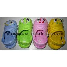 Chaussures de jardin d'enfants de conception simple mignonne avec le prix préférable, pantoufles de plage d'EVA, sabots occasionnels