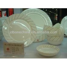 Forma occidental del cupé del estilo 97pcs porcelana de cerámica de la porcelana china de hueso conjunto de cena