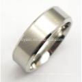 Simple dos tonos de acero inoxidable para hombre anillos de plata en blanco