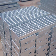 Safegrid Stair Tread Gratings Mạ kẽm
