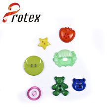 2015 New Designed Cute Plastic Sewing and Shank Buttons with Cheap Price