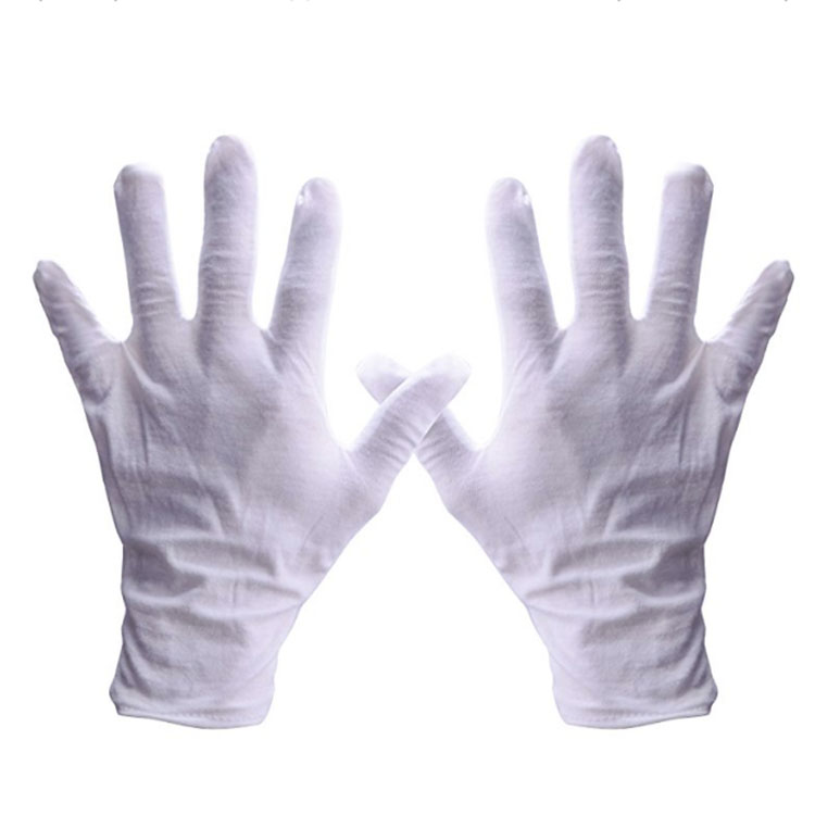 Beautiful Cleaning Gloves