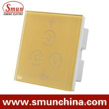 Interruptor dourado da parede do toque de 3 grupos, soquete de parede de controle remoto 1500W 110-220V 16A