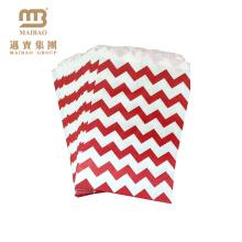 Benutzerdefinierte Welle Striped Printed 5X7 Zoll Nettes kleines Geschenk Kraftpapier Candy Bag für Parteien