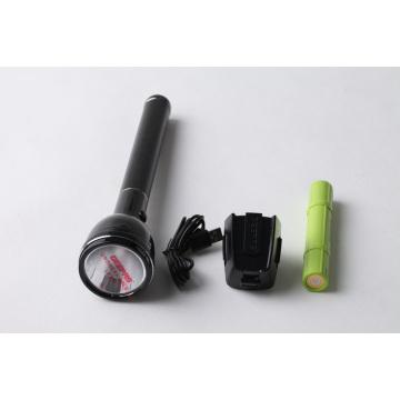 Canton Fair Super Hot Vente Produit Geepas Lampe de poche LED (T7)