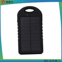 Banco impermeável 5000mAh das energias solares do silicone com CE / RoHS
