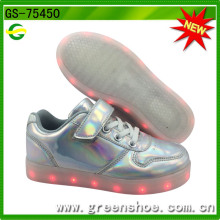2016 Hot Ce Certificated LED Sneakers