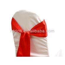 Мода красный, фантазии атласа стулья покрытия спиной галстук, лук галстук, узел, свадьба стульев и ленты