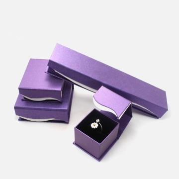 Conjunto de joyas anillo collar caja de embalaje magnético
