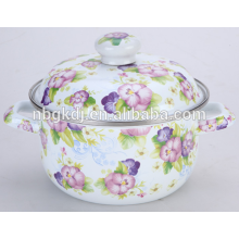 bandeja de esmalte con olla de hierro fundido o olla de cocción para olla de esmalte o cazuela de cocina