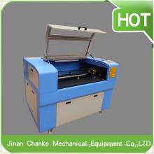 Mini máquina a laser CNC 600X900mm 80W para gravação e corte