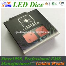 diodo emissor de luz azul verde vermelho colorido que ilumina dados coloridos do diodo emissor de luz do controle de MCU