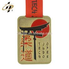 O bronze antigo feito sob encomenda profissional de China grava a fabricação da medalha do metal do judô de Japão