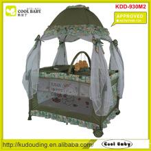 ASTM F406-12A Zugelassener NEUER Spielpult für Baby mit mongolischem Stil Moskitonetz