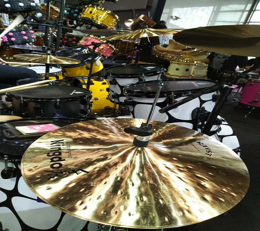 Hi-hat cymbals for drum