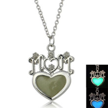 Charm Heart Design For Mom Heart Pendant Necklace Lumionous necklace