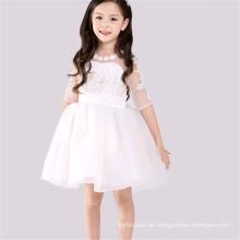 Schöne weiße Mädchenprinzessin kleidet spätes Kleiddesign für Mädchenblumen-Abendkleidkostümkinder Kleidblume