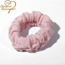 La fahsion de encargo al por mayor colorea el scrunchie elástico del terciopelo del pelo