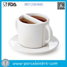 Taza de café de cerámica única en dos con platillo