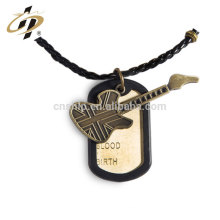 New design products wholesale business gift zinc alloy guitar metal tag pendant