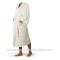 Weiße Frottee-Robe