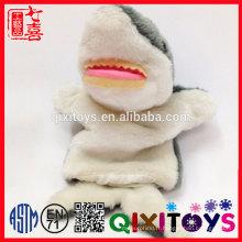 Les enfants aiment la conception d'animal de mer la coutume douce douce de marionnette de main de poisson de peluche