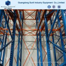 Industrieller Speicher-Hochleistungs-Antrieb im Gestell