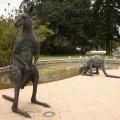 Большая статуя кенгуру бронзовая скульптура