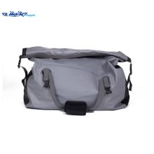 Big confortável impermeável mochila adequado para viajar ou caminhadas ou esportes aquáticos para o homem maduro ou família