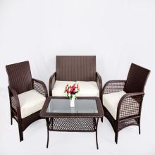 Vintage metalen Framed rieten stoel en glazen Top tafel