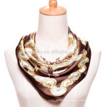 Mode féminine imprimé polyester carré chaînes écharpe en satin de soie