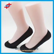 2015 Lady nouveau design imperméable à l'eau nylon chaussettes non glissantes chaussettes invisibles bouche profonde