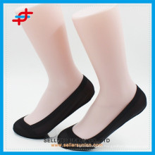 2015 Lady new design breathable nylon non slip socks shallow mouth invisible socks