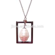 Collar de cadena de perlas barrocas blancas bohemias de moda largo