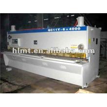 Différents types de machines à découper, scies en aluminium